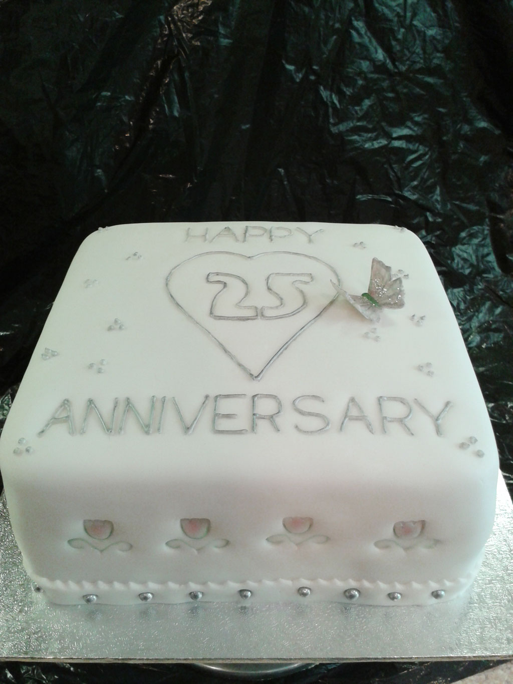25th wedding anniversary cake idea to copy wedding cake for Anniversary cake decoration