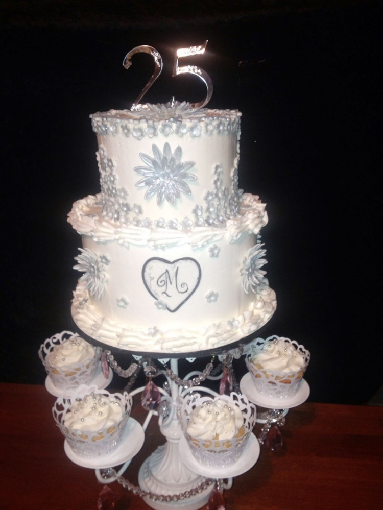 25th Wedding Anniversary Cake Picture in Wedding Cake