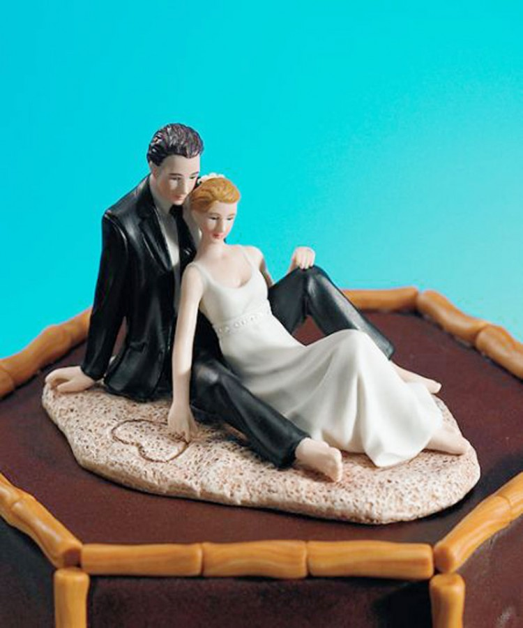 Beach Theme Wedding Cake Toppers Picture in Wedding Cake