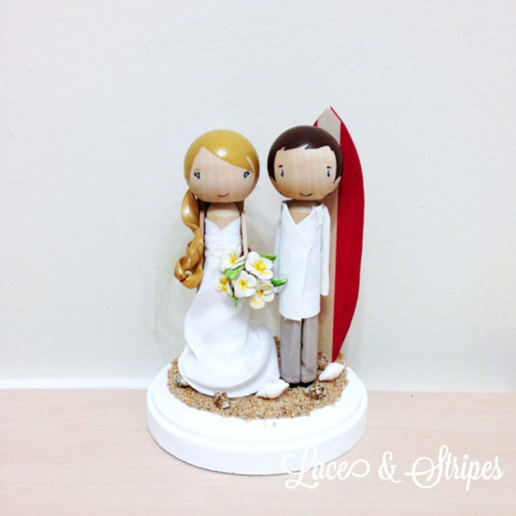 Beach Wedding Cake Topper With Surf Board Picture in Wedding Cake