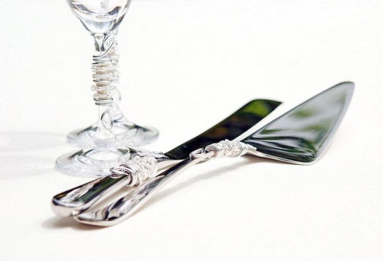 Beaded Wedding Cake Server And Knife Set Picture in Wedding Cake