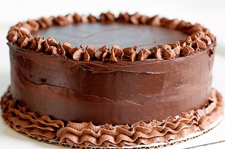Beautiful Chocolate Cake With Cream Picture in Chocolate Cake