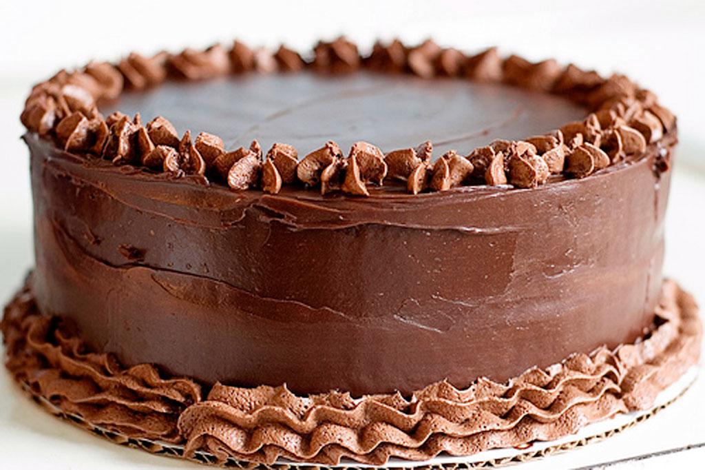 Images Of Beautiful Chocolate Cake : Beautiful Chocolate Cake With Cream Chocolate Cake - Cake ...