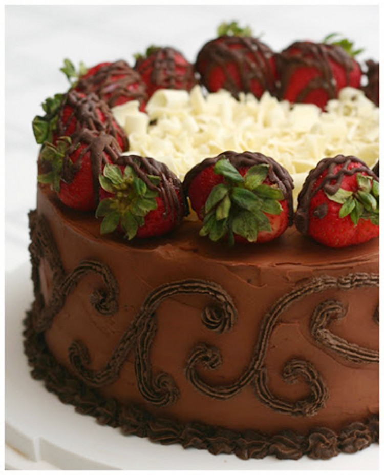 Beattys Chocolate Strawberry Cake Picture in Chocolate Cake