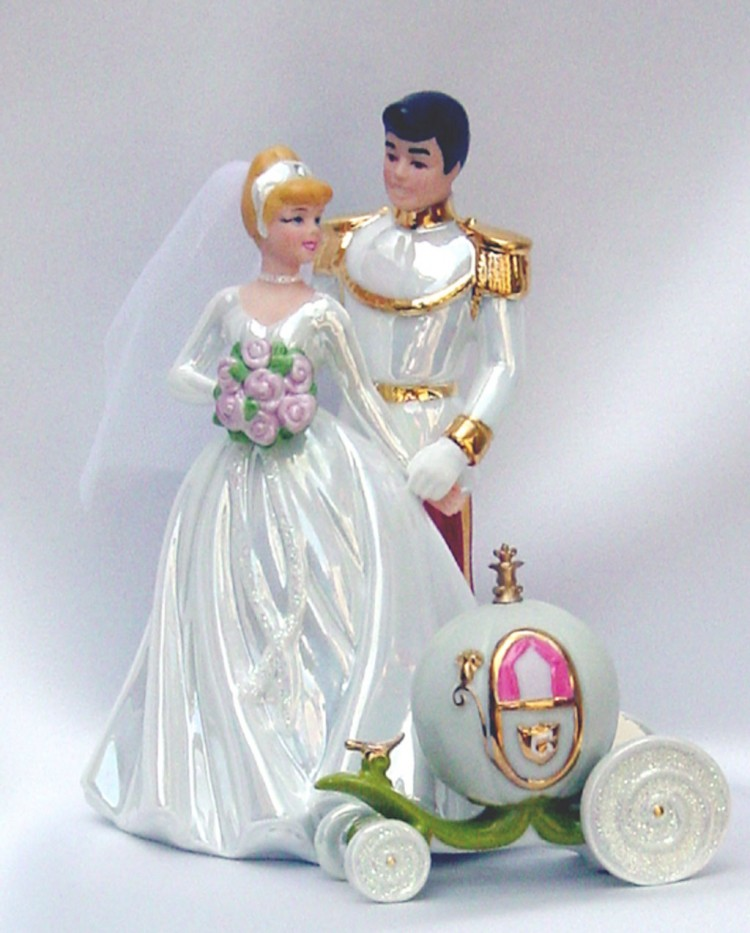 Beautiful Disney Princess Wedding Cake Toppers Picture in Wedding Cake