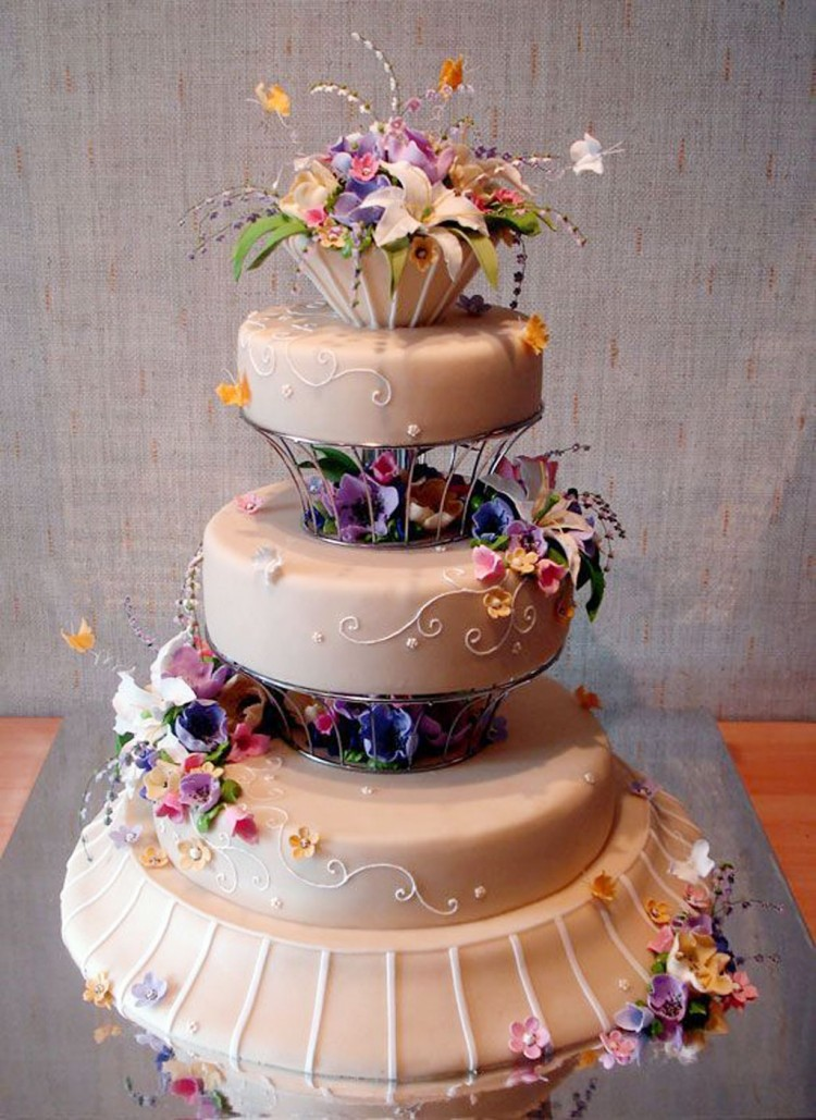 Beautiful And Creative Wedding Cakes Picture in Wedding Cake