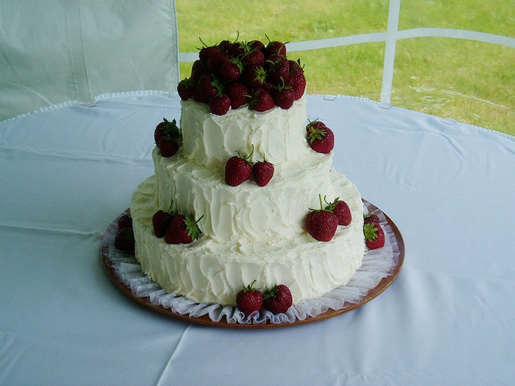 A Strawberry Wedding Cake Picture in Wedding Cake