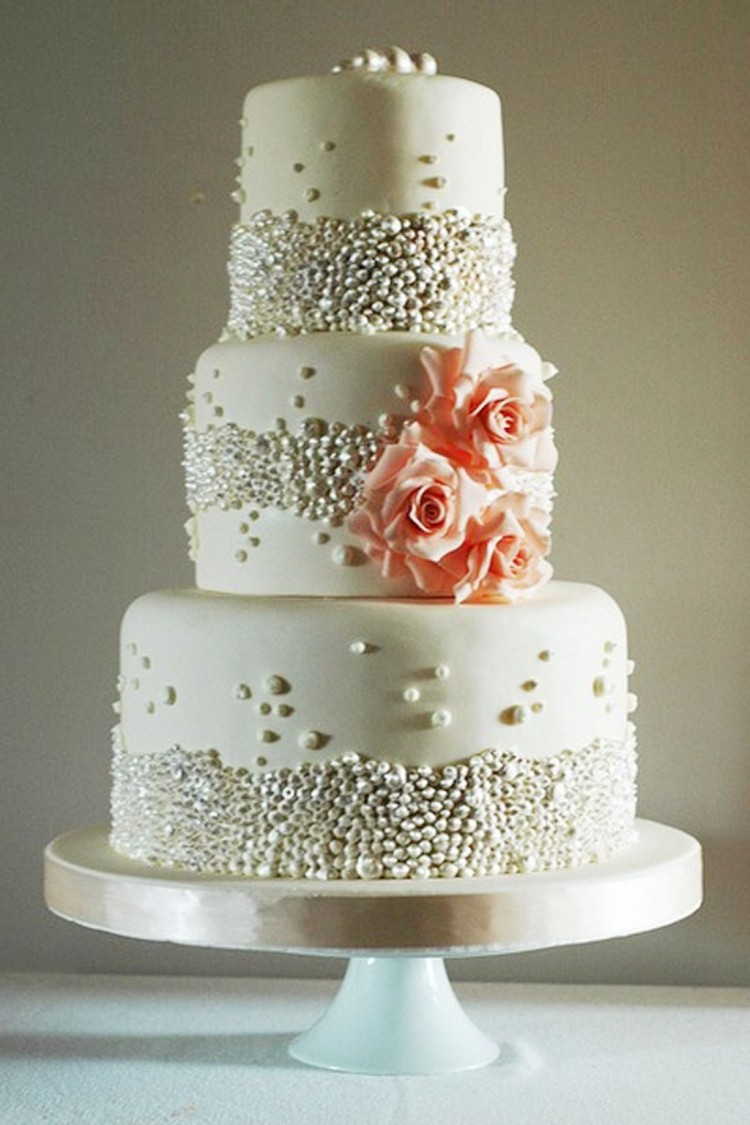 Beautiful Beaded Wedding Cake Picture in Wedding Cake
