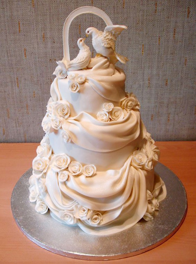 Beautiful Wedding Cakes Toppers Picture in Wedding Cake