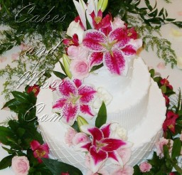 1024x1442px Beauty Stargazer Lily Wedding Cake Picture in Wedding Cake