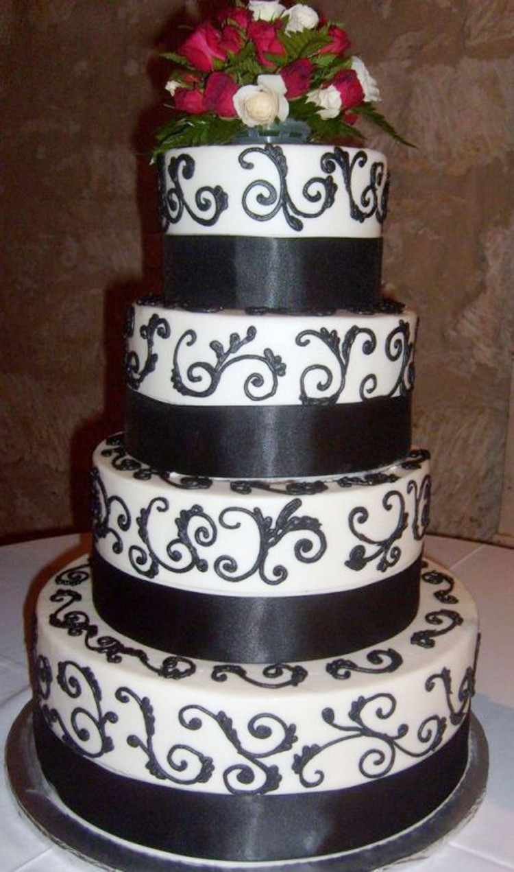 Black And White Wedding Cake Picture in Wedding Cake