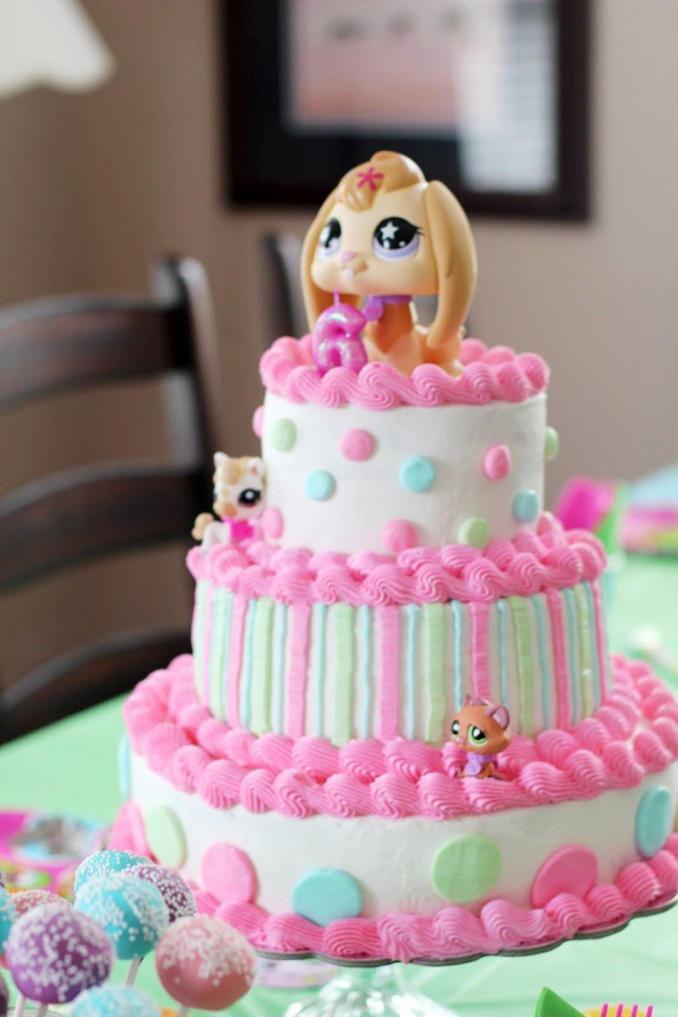 A Littlest Pet Birthday Cake Picture in Birthday Cake