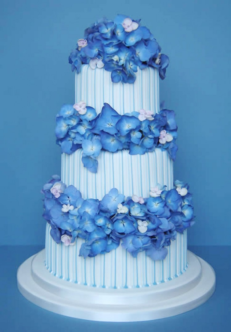 Blue Hydrangea Wedding Cake Picture in Wedding Cake