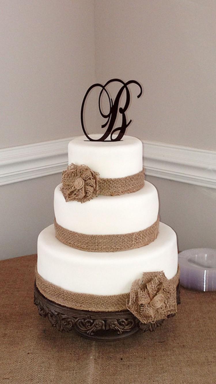 Burlap Wedding Cake Picture in Wedding Cake