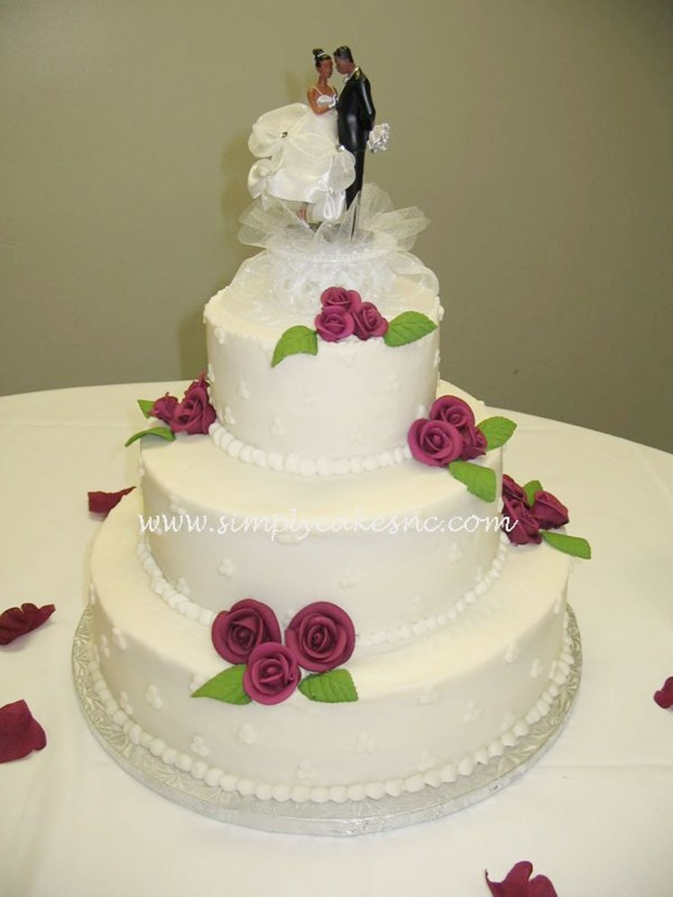 Buttercream Wedding Cake With Royal Icing Roses Picture in Wedding Cake