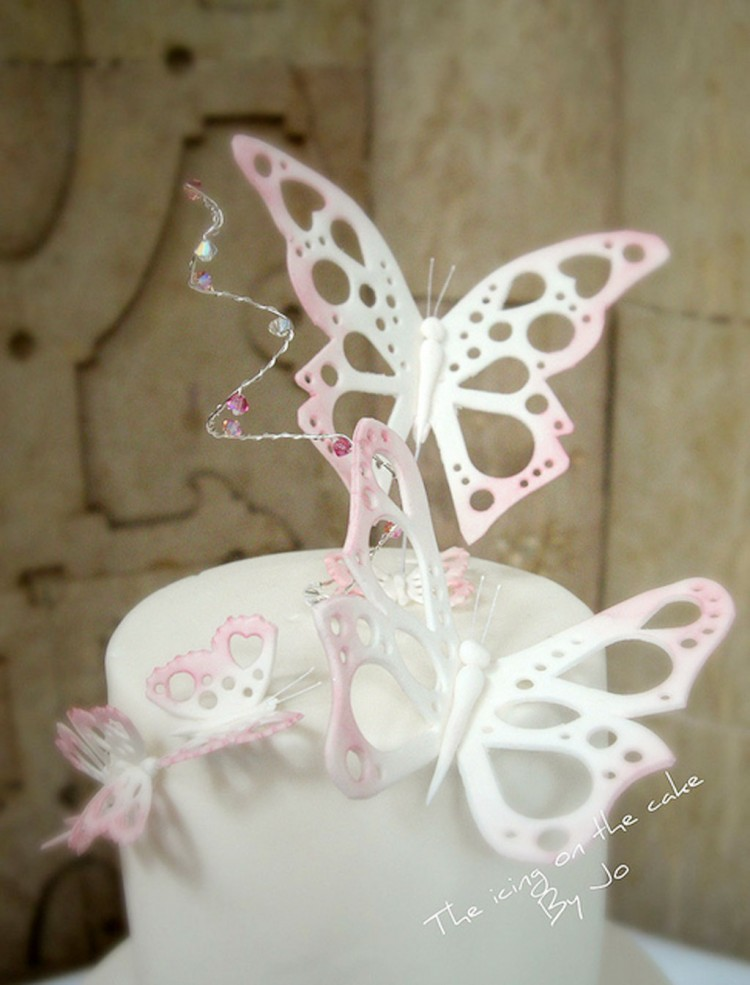 Butterfly Wedding Cake Topper Picture in Wedding Cake