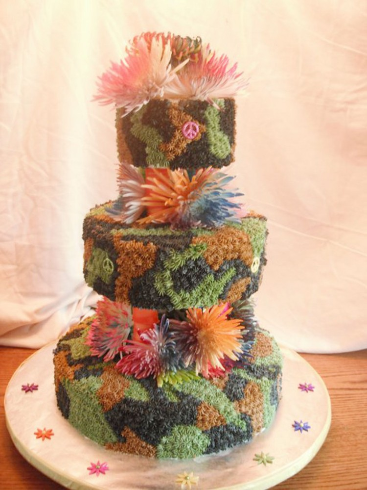 Camo Tie Dye Wedding Cake Picture in Wedding Cake