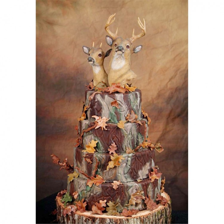 Camouflage Wedding Cake Picture in Wedding Cake