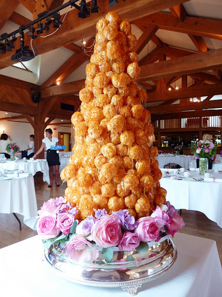 Caramel Cream Puff French Wedding Cake Picture in Wedding Cake