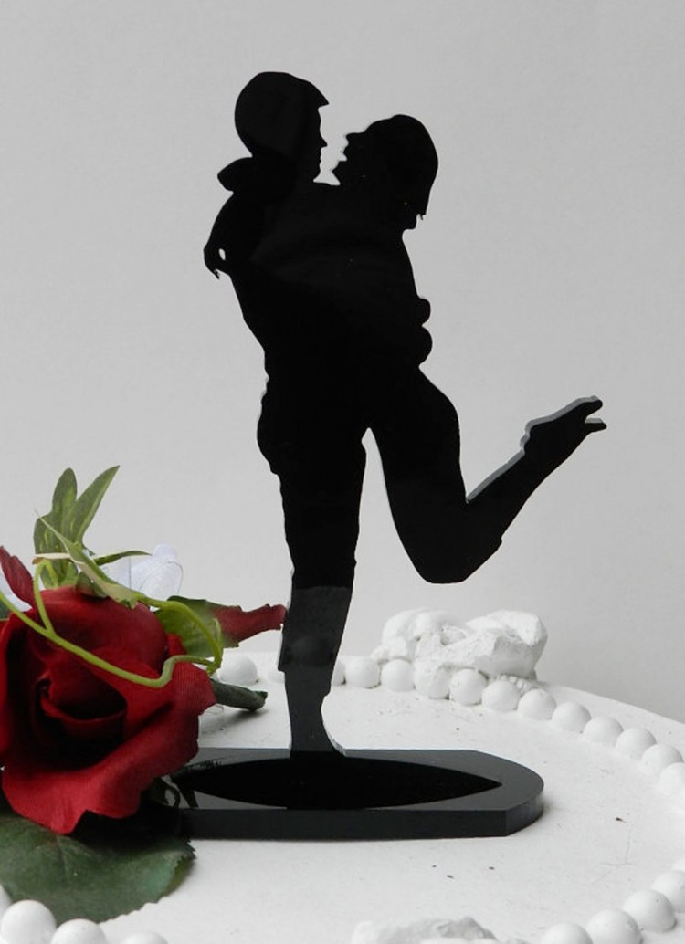 Casual Fun Sexy Silhouette Wedding Cake Topper Picture in Wedding Cake