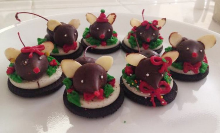 Chocolate Christmas Mice Cookies Picture in Chocolate Cake