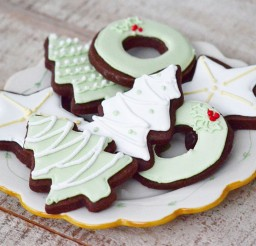 1024x678px Chocolate Cut Out Cookie With Royal Icing Picture in Chocolate Cake