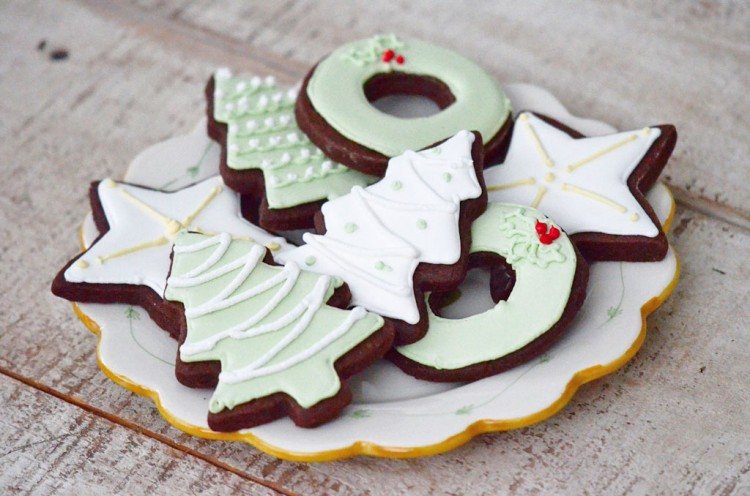 Chocolate Cut Out Cookie With Royal Icing Picture in Chocolate Cake