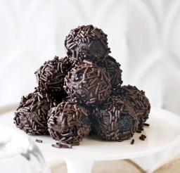 1024x682px Chocolate Rum Balls Picture in Chocolate Cake