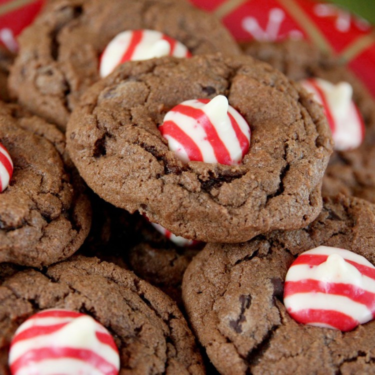 Chocolate Candy Cane Kiss Cookies Picture in Chocolate Cake