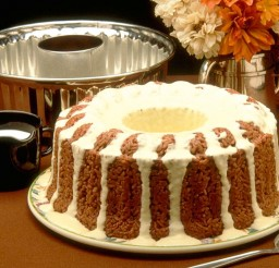 1024x768px Christmas Cake Chocolate And Cream Flavor Picture in Chocolate Cake