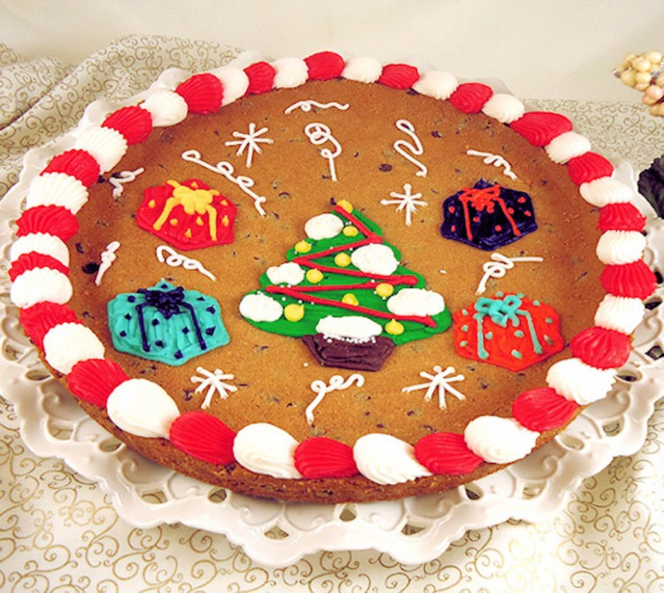 Christmas Tree Chocolate Chip Cookie Cake Picture in Chocolate Cake