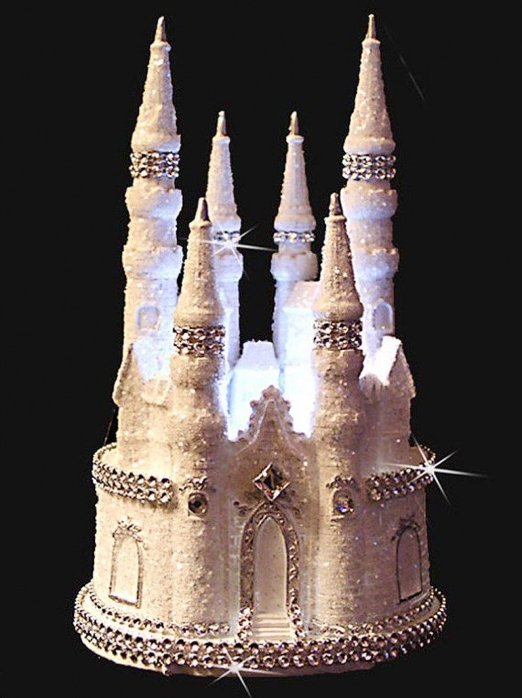 Cinderella Castle Wedding Cake Picture in Wedding Cake