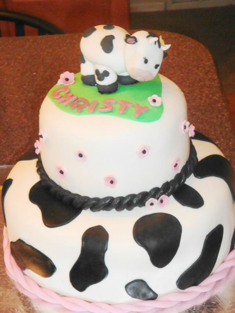 Cow Birthday Party Cakes Picture in Birthday Cake
