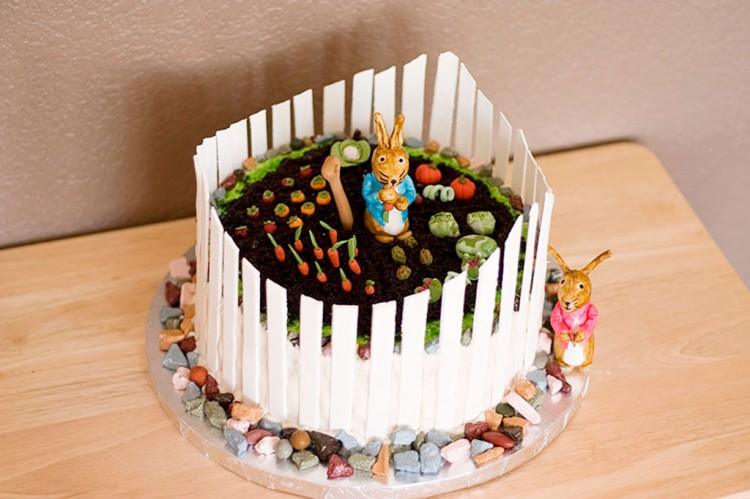 Crazy Peter Rabbit Cake For Birthday Picture in Birthday Cake