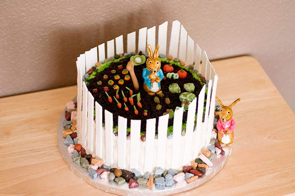 Crazy Peter Rabbit Cake For Birthday Birthday Cake Cake Ideas by