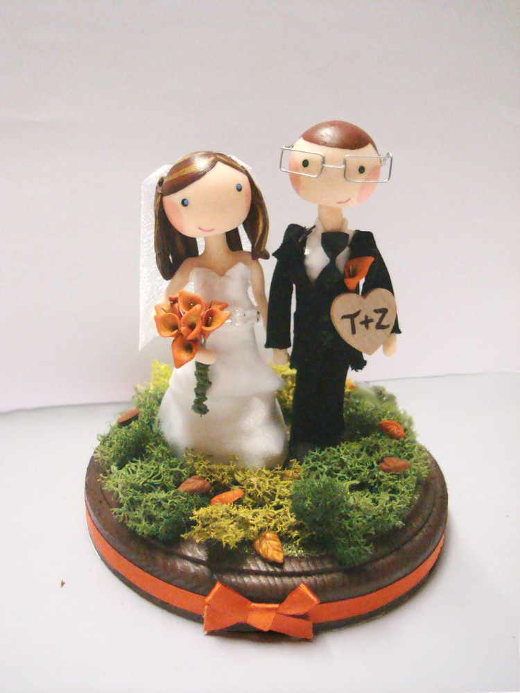 Custom Autumn Wedding Cake Topper Picture in Wedding Cake