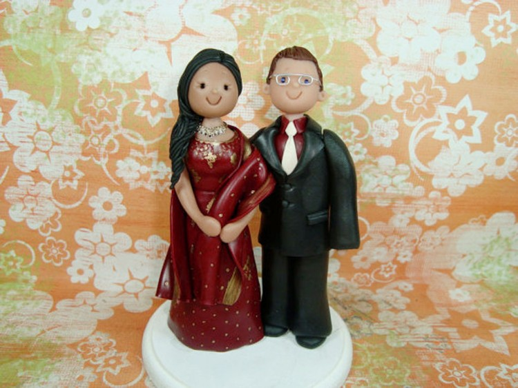 Customized Ethnic Wedding Cake Topper Picture in Wedding Cake
