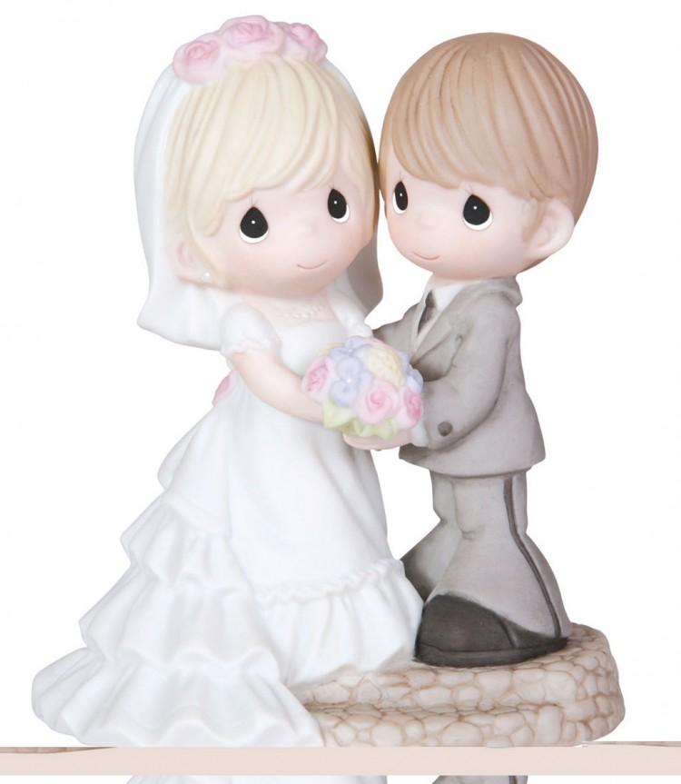 Cute Precious Moment Wedding Cake Topper Picture in Wedding Cake