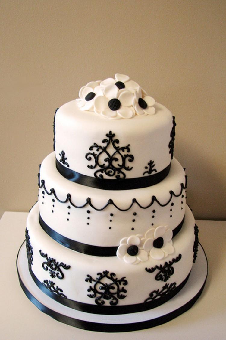 Damask Wedding Cake Picture in Wedding Cake