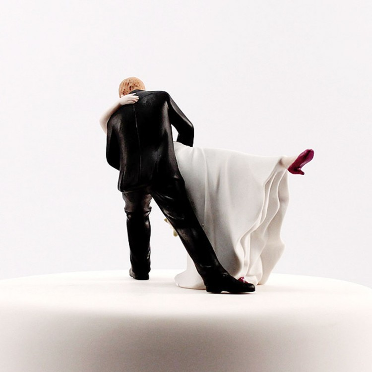 Dancing Bride Groom Couple Wedding Cake Topper Picture in Wedding Cake
