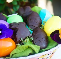 1024x683px Easter Candy Easter Vegan Recipes Chocolate Peanut Butter Easter Candy Picture in Chocolate Cake