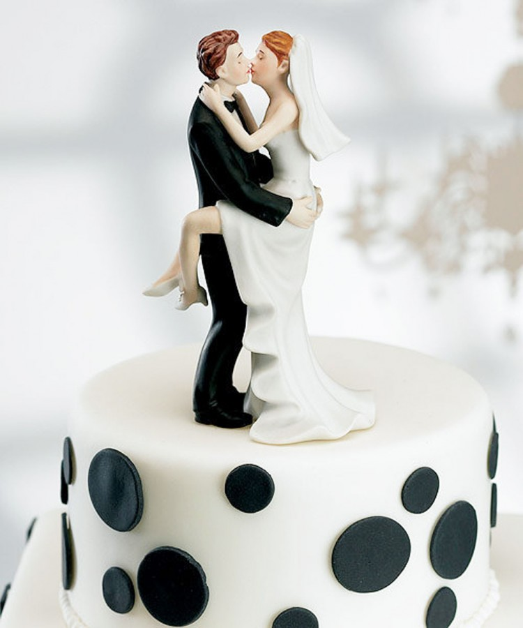Elite Wedding Cake Toppers Picture in Wedding Cake