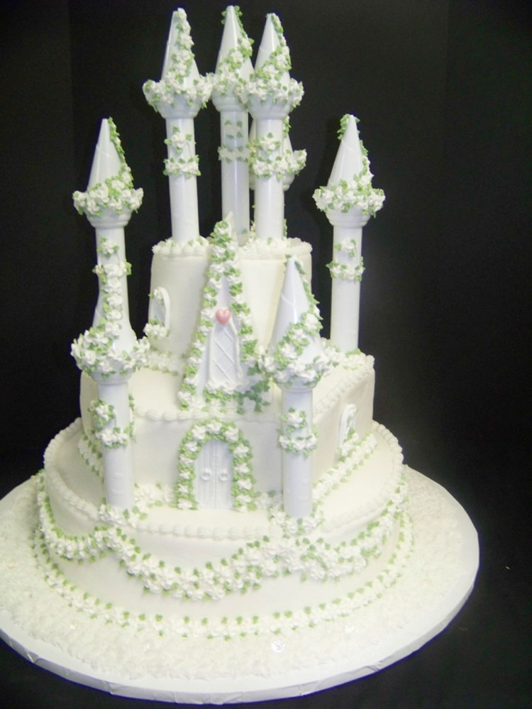Fairytale Round Wedding Cakes Picture in Wedding Cake