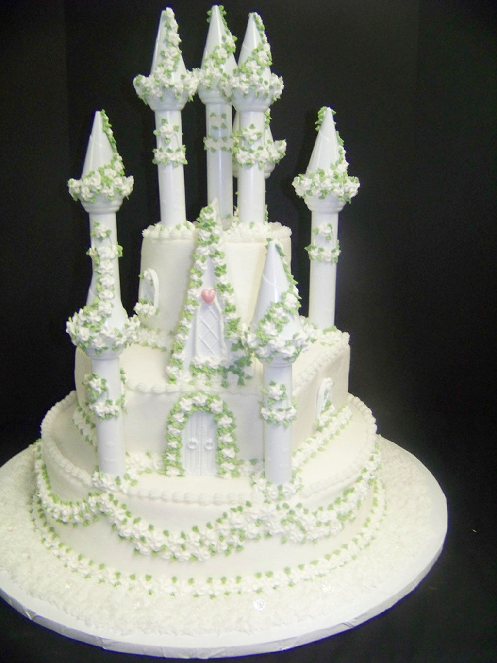 fairytale wedding cakes ideas fairytale wedding cakes wedding cake cake ideas by 14105