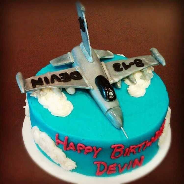 Fighter Jet Birthday Cake Picture in Birthday Cake