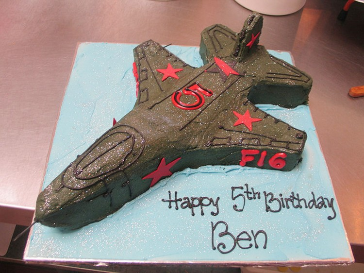 Fighter Jet F16 Birthday Cake Picture in Birthday Cake