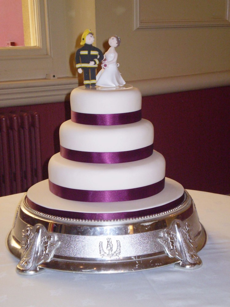 Firefighter Bride And Groom Wedding Cake Picture in Wedding Cake
