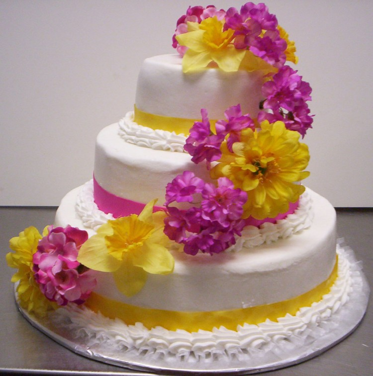 Floral Style Wedding Cakes Picture in Wedding Cake