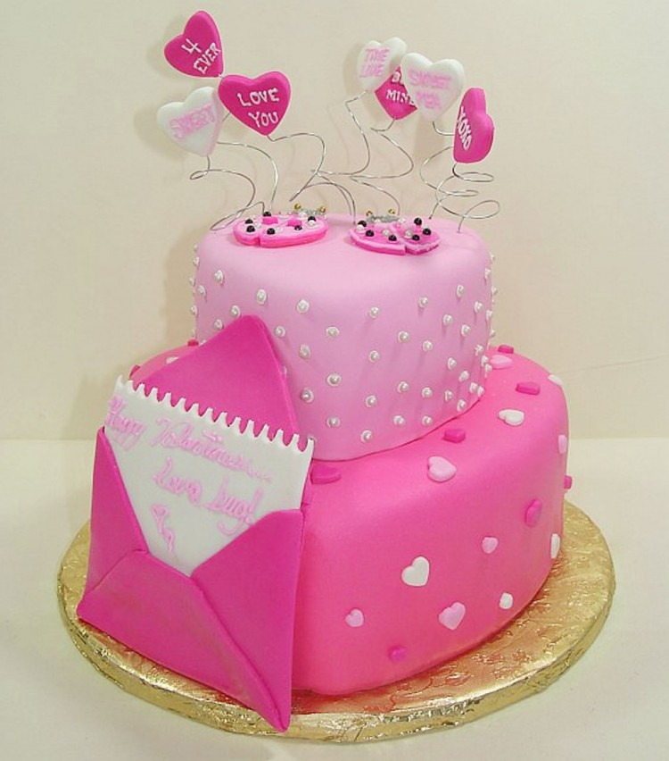 Fondant Finish Layer Cake Valentines Day Picture in Valentine Cakes