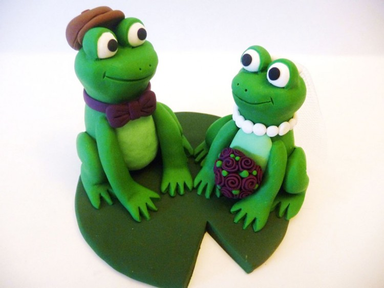 Frog Wedding Cake Topper Picture in Wedding Cake